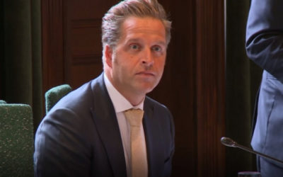"""Minister De Jonge: """"Dringend advies niet te zingen in de kerk, maar geen 'psalmenpolitie'"""""""