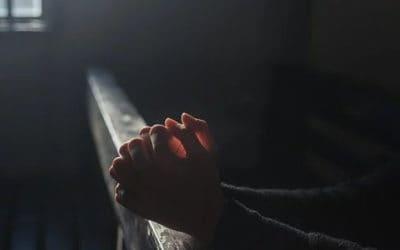 Ontslagen wegens gebed voor Israel