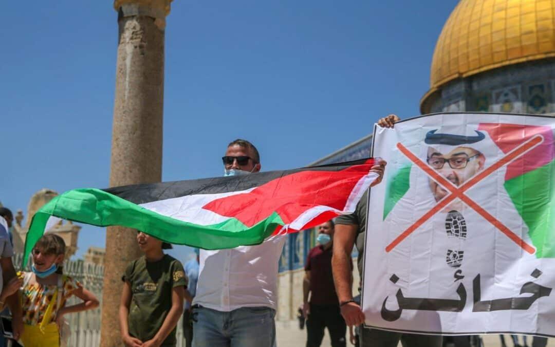 Afgevaardigden VAE tijdens eerste bezoek aan Israël van Tempelberg gegooid