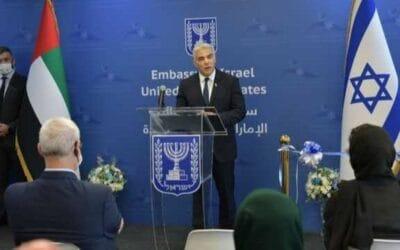 Lapid opent nieuwe Israëlische ambassade in Abu Dhabi en bedankt Netanyahu voor dit historische moment