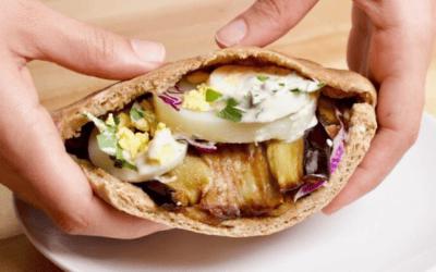 Zo maak je de Israelische vegetarische sandwich Sabich