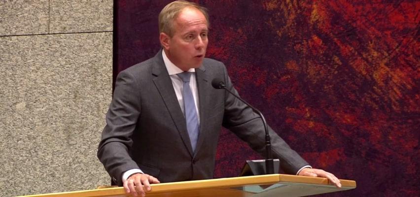 Kees van der Staaij clasht met andere Kamerleden over demonstraties bij abortusklinieken (video)